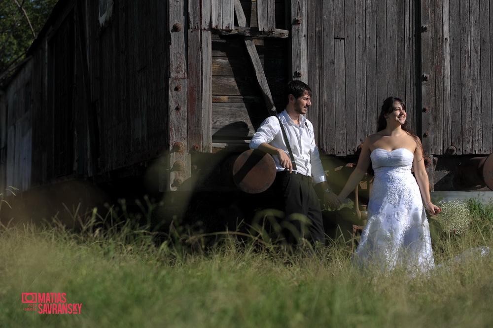 Sesion de fotos post boda o trash the dress de Mavi y maxi por Matias Savransky fotografia