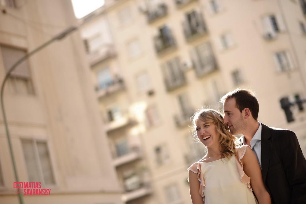 Fotos de la boda de Lucia y Ramiro en el registro civil de la calle Uruguay por Matias Savransky fotografia