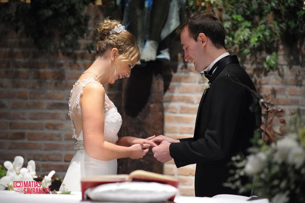 Fotos de la boda de Lucia y Ramiro iglesia Santa Teresita Pilar por Matias Savransky fotografia