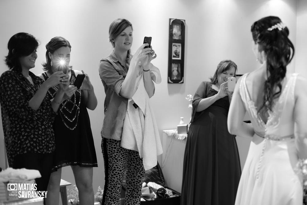 fotos de casamiento en el salon alg tortuguitas de lucia y patricio por matias savransky fotografia
