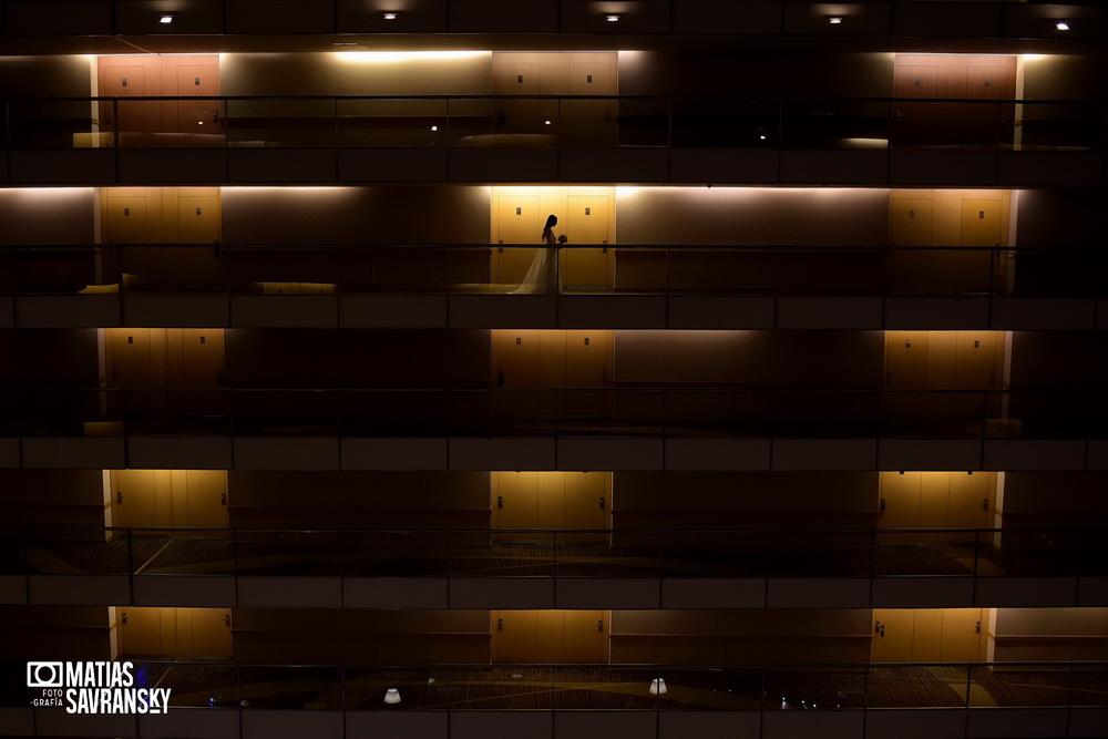 Fotos de casamiento Hotel Hilton Puerto Madero por Matias Savransky fotografia