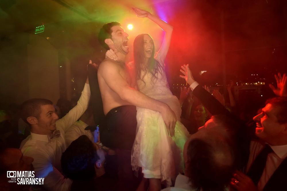 Fotos de casamiento en el salon Madero Walk Eventos por Matias Savransky fotografia