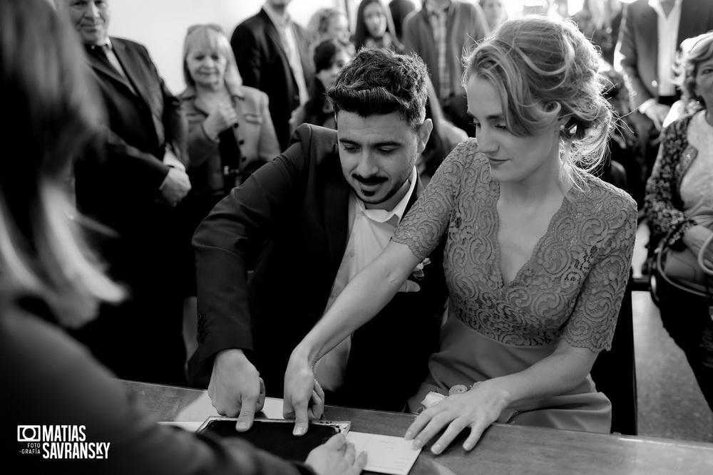 fotos de casamiento en el civil de pacheco andrea y gonzalo por matias savransky fotografia