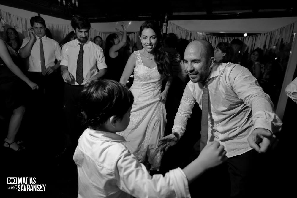 Fotos de casamiento de Sauces de Hudson de Romina y Hernan por Matias Savransky fotografo Buenos Aires