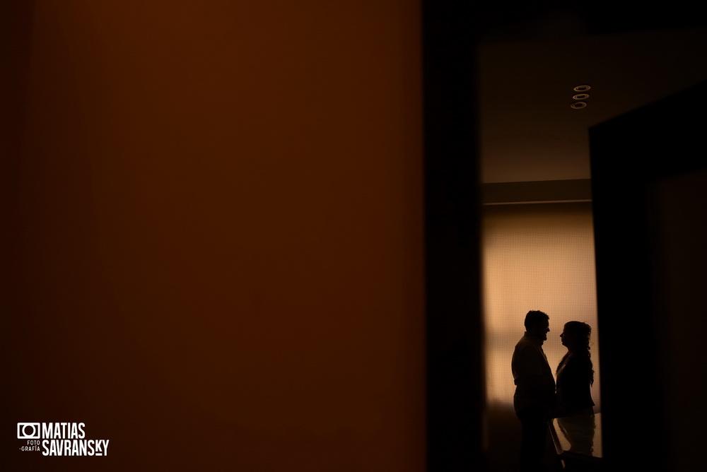 Fotos de casamiento civil de Uruguay de Jenny y Lucas por Matias Savransky fotografo de Buenos Aires