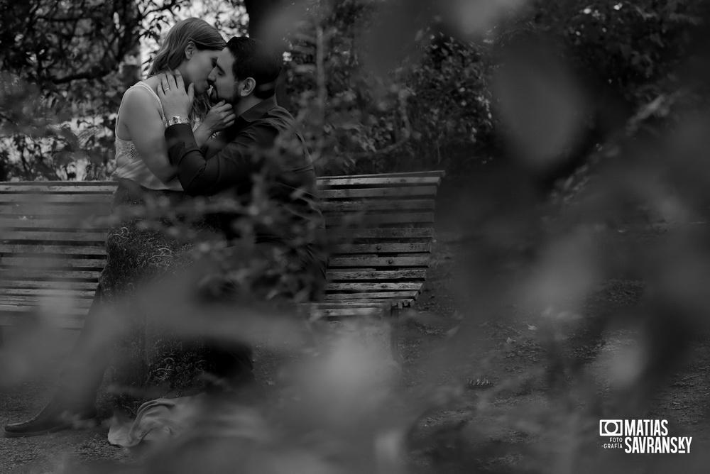 sesion de fotos pre boda en villa grampa por matias savransky fotografo buenos aires