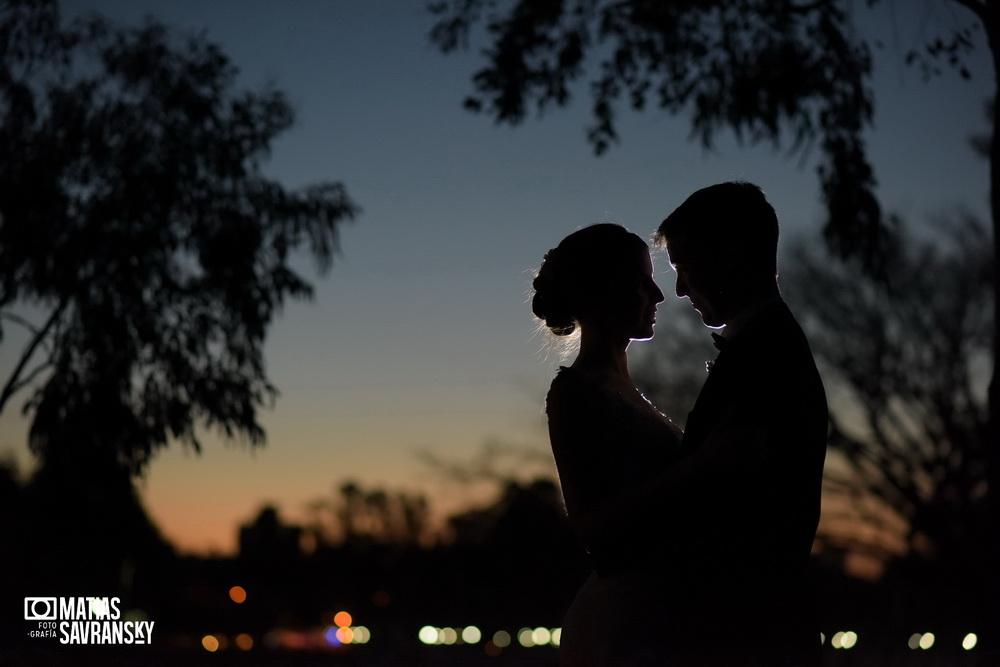 foto de casamiento en salon del rio por matias savransky fotografo buenos aires