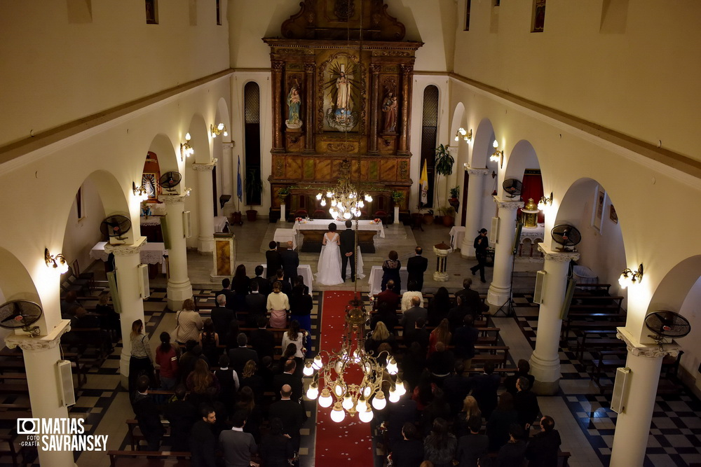 Fotos de casamiento parroquia Corpus Domini Noelia y Claudio por Matias Savransky fotografo Buenos Aires