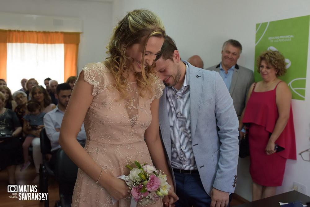 Fotos de casamiento civil isidro casanova por matias savransky fotografo buenos aires