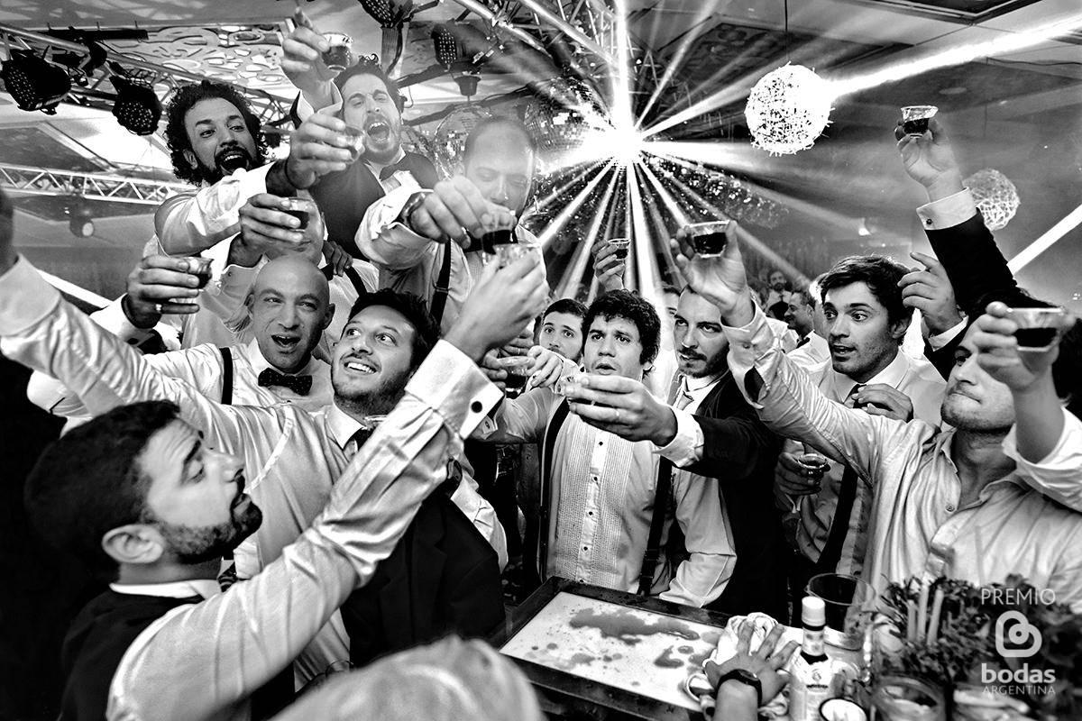 foto de casamiento premiada por el portal bodas argentina por matias savransky fotografo buenos aires