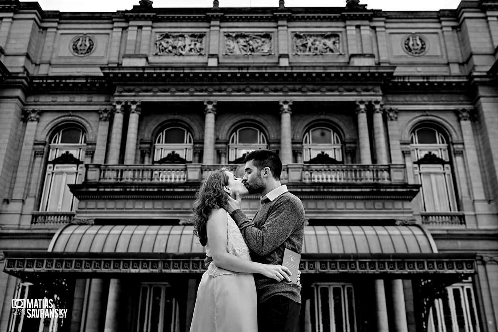 foto casamiento en el registro civil central calle uruguay por matias savransky fotografo buenos aires